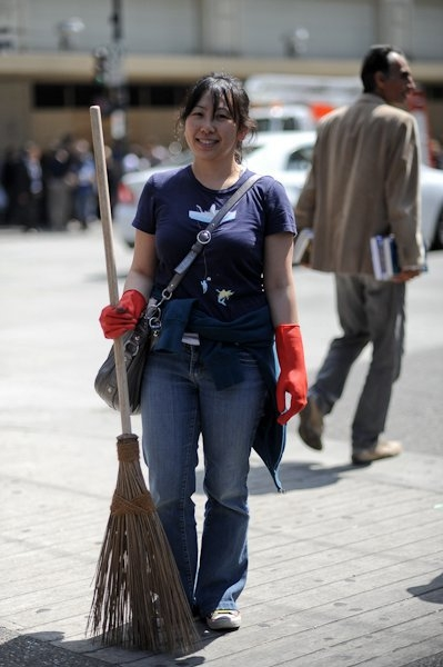The Original Garden Broom | Cleaning up the Vancouver Riot | Picture 3